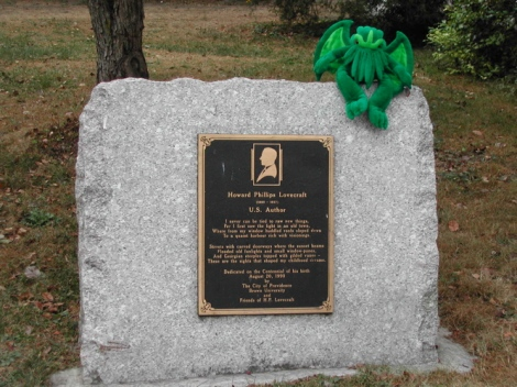 H.P._Lovecraft_plaque_w_stuffed_Cthulhu.jpg